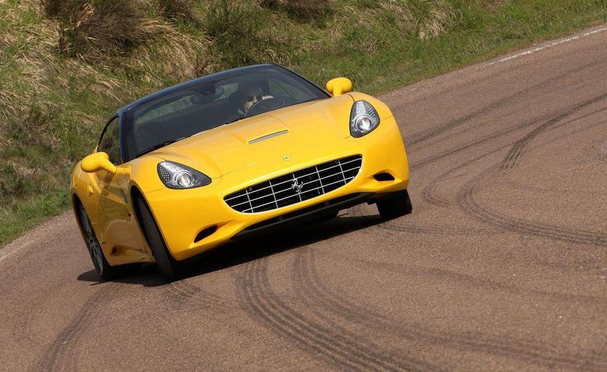 2013 Ferrari California - Slide 21