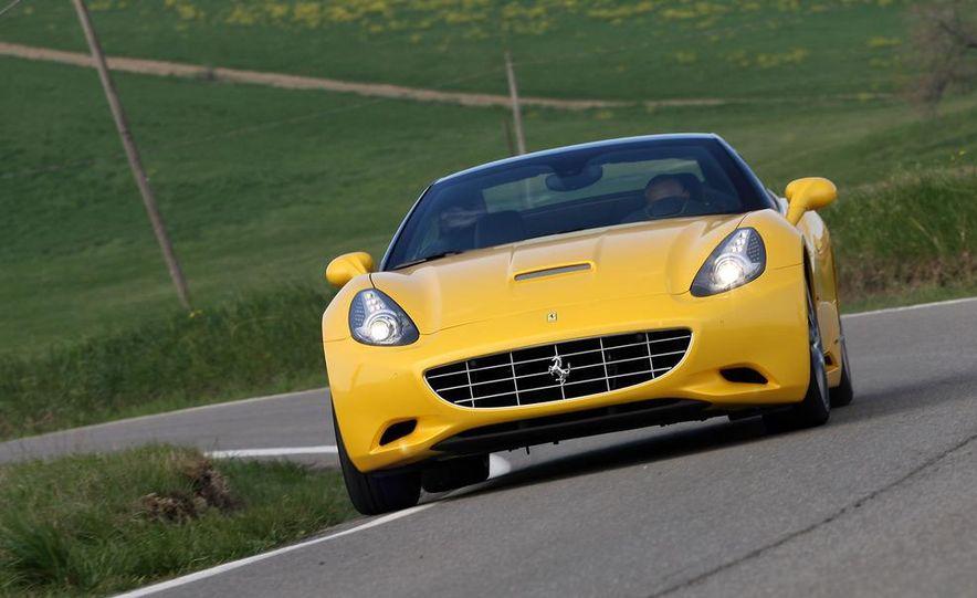 2013 Ferrari California - Slide 23