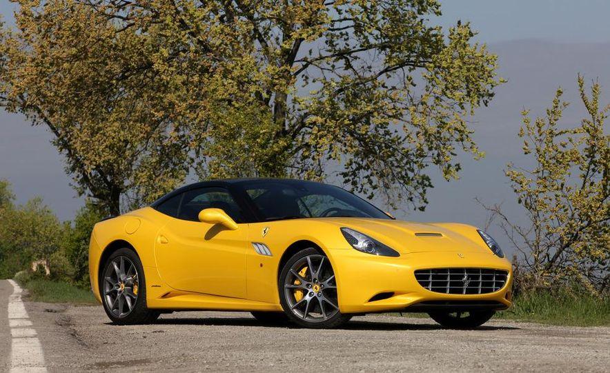 2013 Ferrari California - Slide 24