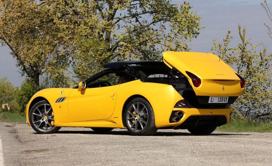 2013 Ferrari California - Slide 26