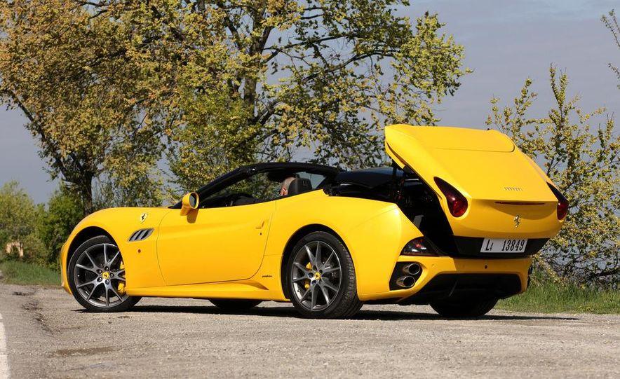 2013 Ferrari California - Slide 27