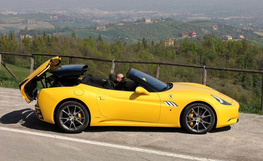 2013 Ferrari California - Slide 33