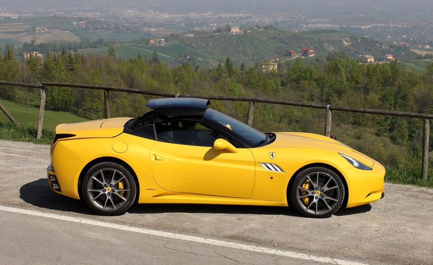2013 Ferrari California - Slide 35
