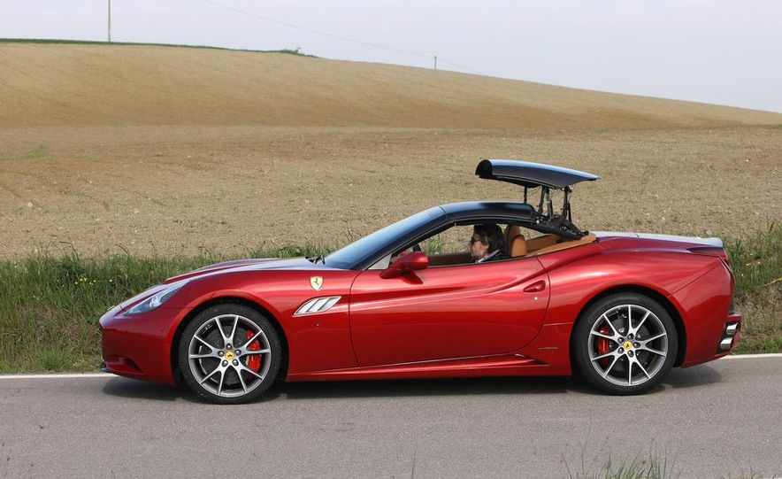 2013 Ferrari California - Slide 68