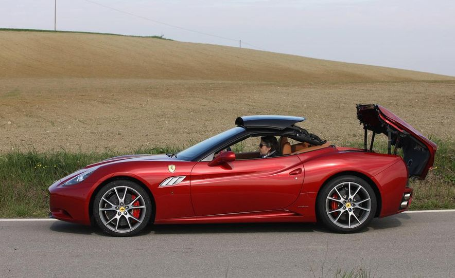 2013 Ferrari California - Slide 69
