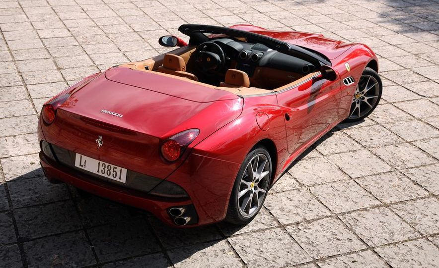 2013 Ferrari California - Slide 74