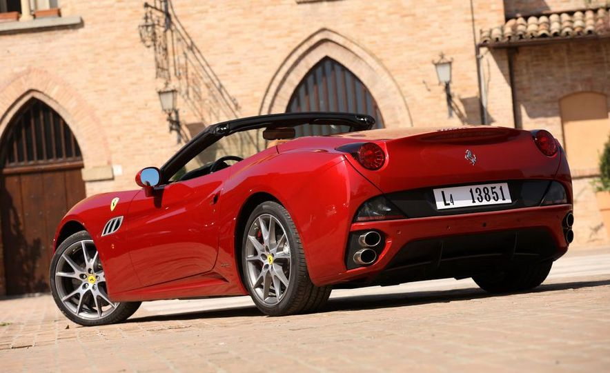 2013 Ferrari California - Slide 84