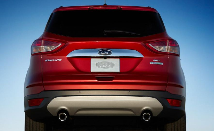 2013 Ford Escape Titanium EcoBoost - Slide 24