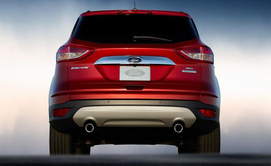 2013 Ford Escape Titanium EcoBoost - Slide 25