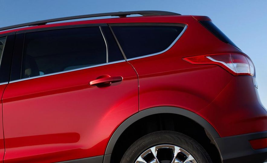 2013 Ford Escape Titanium EcoBoost - Slide 29
