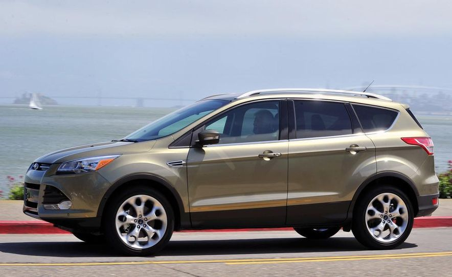 2013 Ford Escape Titanium EcoBoost - Slide 4