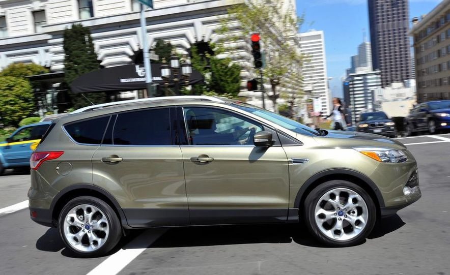 2013 Ford Escape Titanium EcoBoost - Slide 6