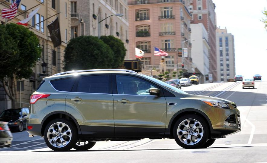 2013 Ford Escape Titanium EcoBoost - Slide 7