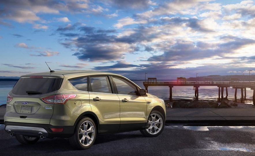 2013 Ford Escape Titanium EcoBoost - Slide 18