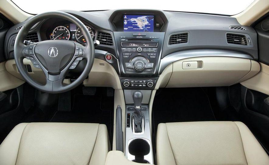 2013 Acura ILX - Slide 3