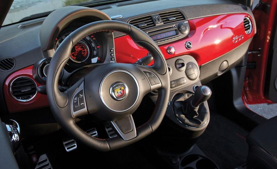 2012 Fiat 500 Abarth interior - Slide 1