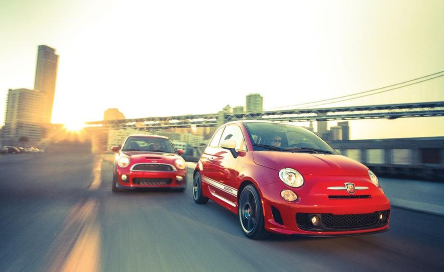 2012 Fiat 500 Abarth interior - Slide 12