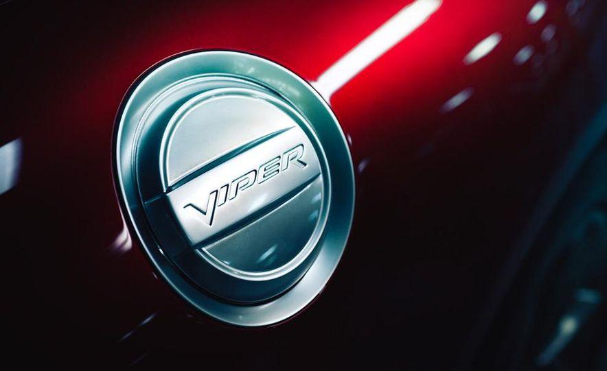 2013 SRT Viper GTS - Slide 17