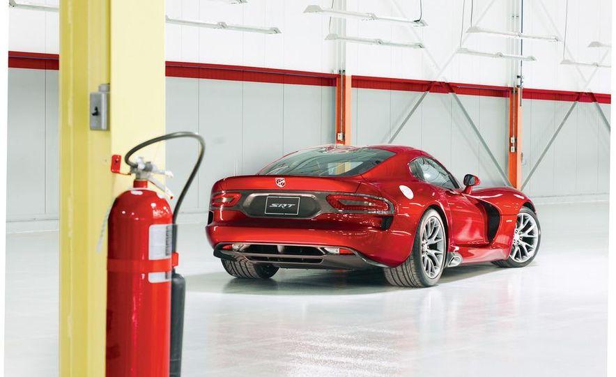 2013 SRT Viper GTS - Slide 4