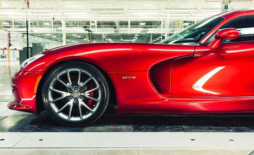 2013 SRT Viper GTS - Slide 9