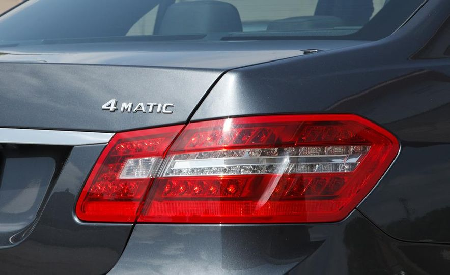 2012 Mercedes-Benz E550 4MATIC Blue Efficiency - Slide 15