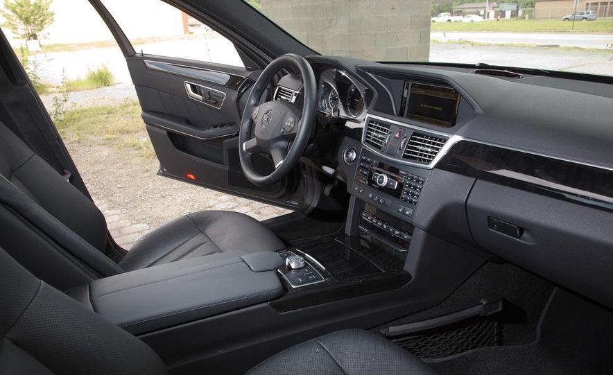 2012 Mercedes-Benz E550 4MATIC Blue Efficiency - Slide 17