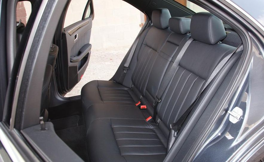 2012 Mercedes-Benz E550 4MATIC Blue Efficiency - Slide 21