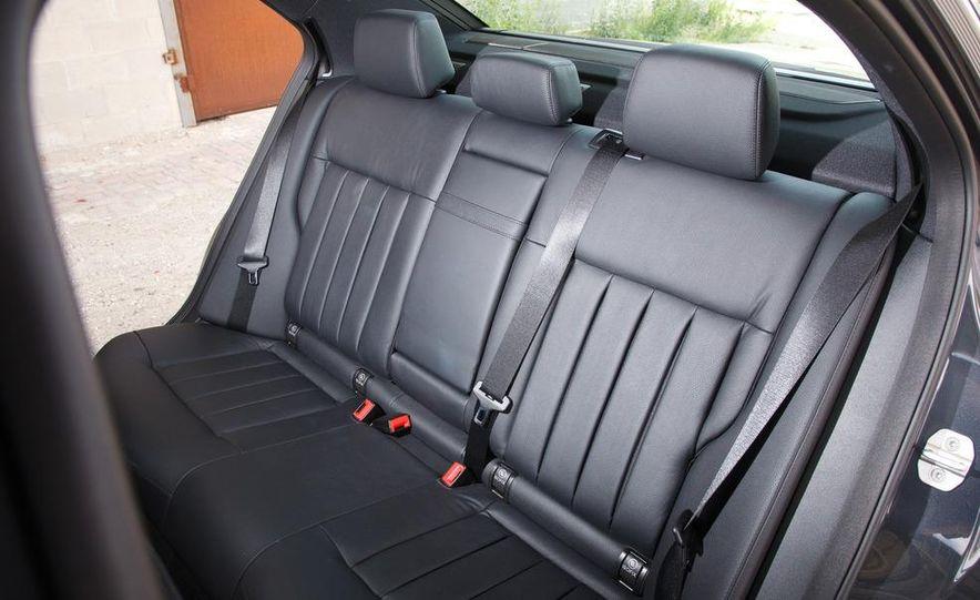2012 Mercedes-Benz E550 4MATIC Blue Efficiency - Slide 22