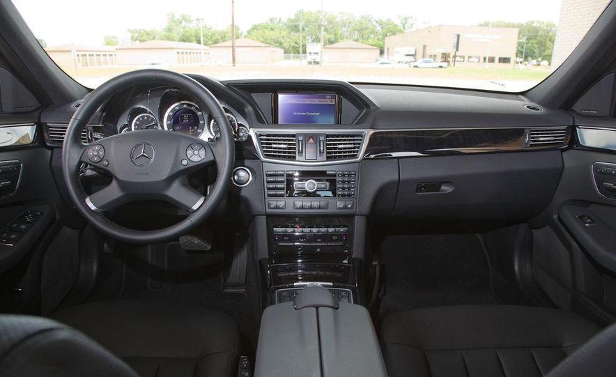 2012 Mercedes-Benz E550 4MATIC Blue Efficiency - Slide 23