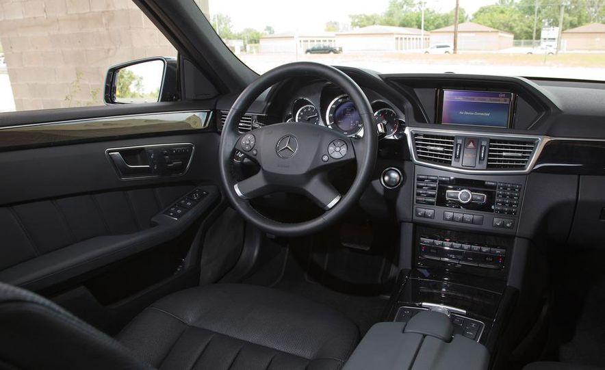 2012 Mercedes-Benz E550 4MATIC Blue Efficiency - Slide 24