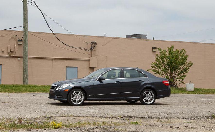 2012 Mercedes-Benz E550 4MATIC Blue Efficiency - Slide 4