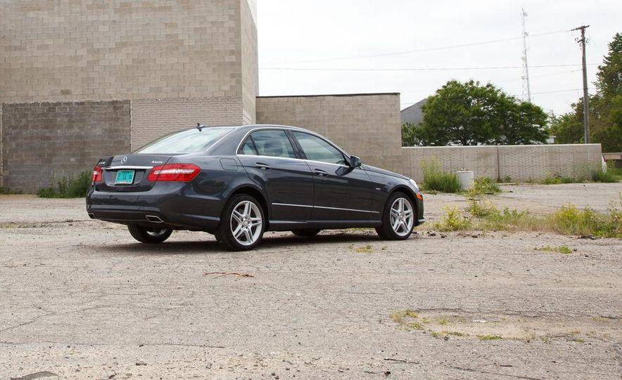 2012 Mercedes-Benz E550 4MATIC Blue Efficiency - Slide 7