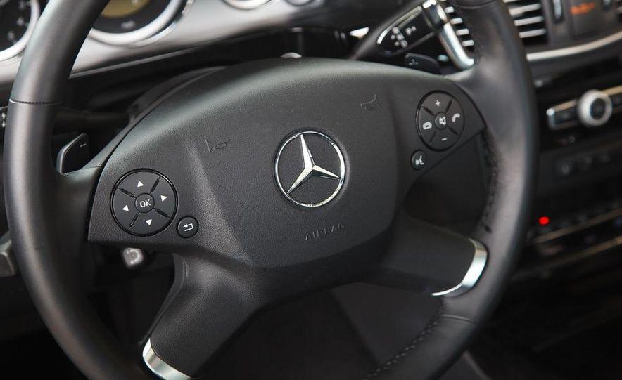 2012 Mercedes-Benz E550 4MATIC Blue Efficiency - Slide 25