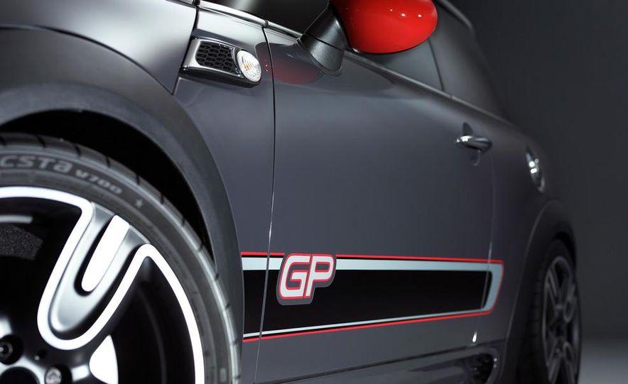 2013 Mini John Cooper Works GP - Slide 31