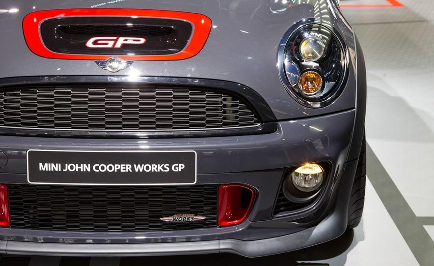 2013 Mini John Cooper Works GP - Slide 11