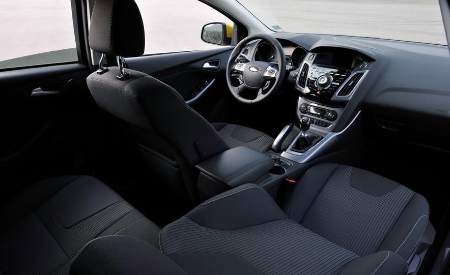 2012 Ford Focus 1.0L EcoBoost - Slide 15
