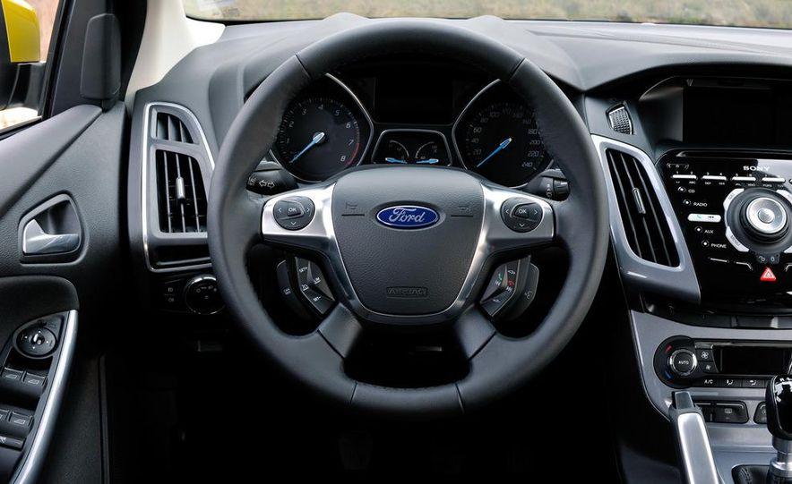 2012 Ford Focus 1.0L EcoBoost - Slide 16