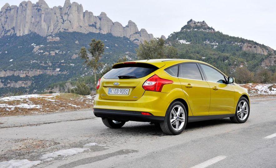 2012 Ford Focus 1.0L EcoBoost - Slide 6