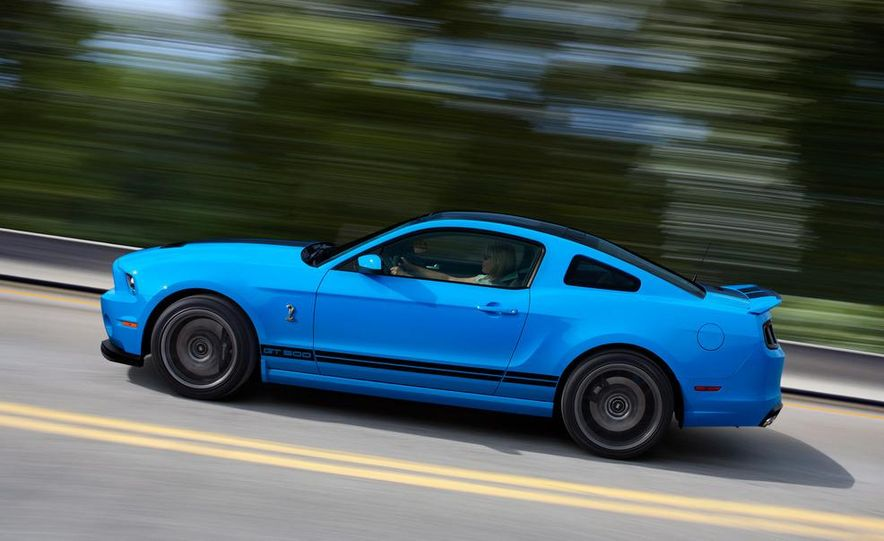 2013 Ford Mustang Shelby GT500 coupe - Slide 26