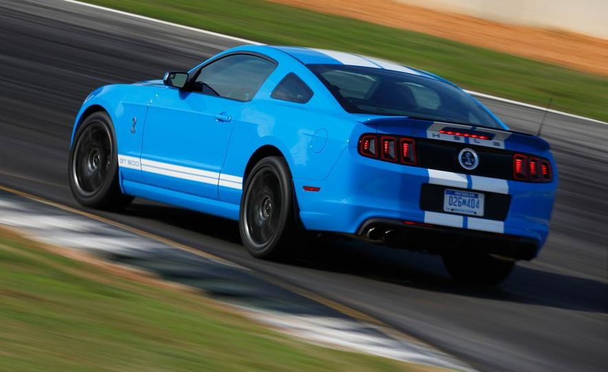 2013 Ford Mustang Shelby GT500 coupe - Slide 45