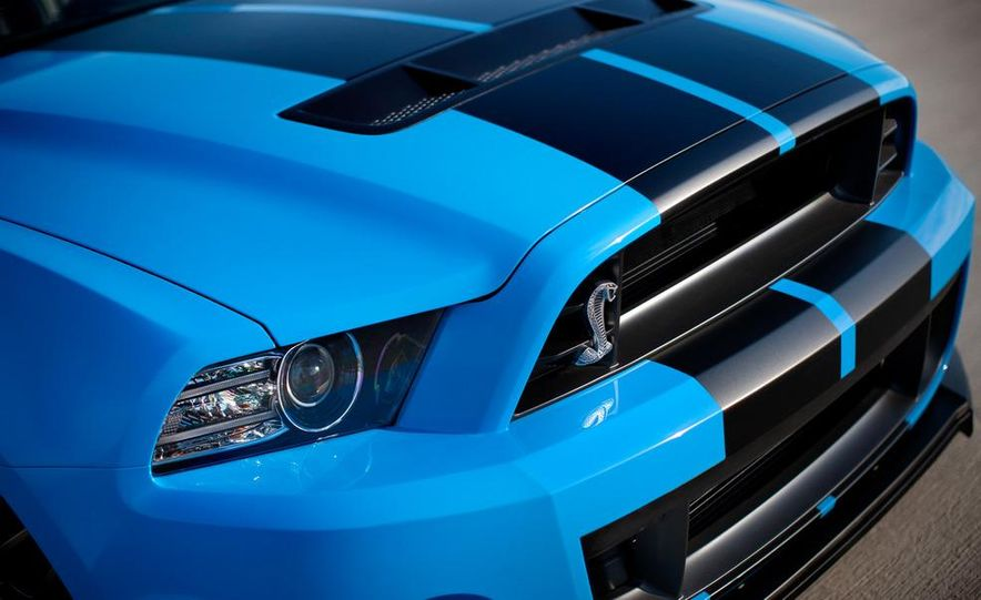 2013 Ford Mustang Shelby GT500 coupe - Slide 31