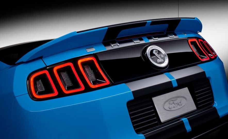 2013 Ford Mustang Shelby GT500 coupe - Slide 63