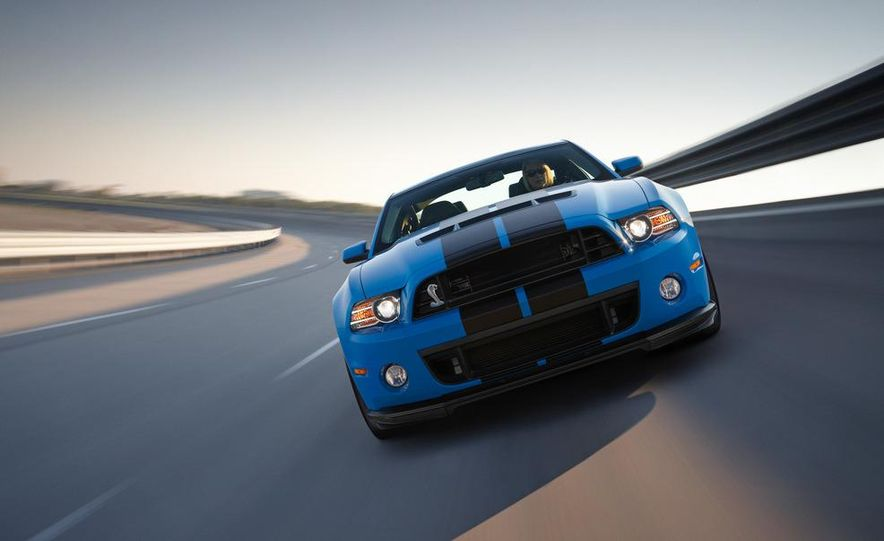 2013 Ford Mustang Shelby GT500 coupe - Slide 25