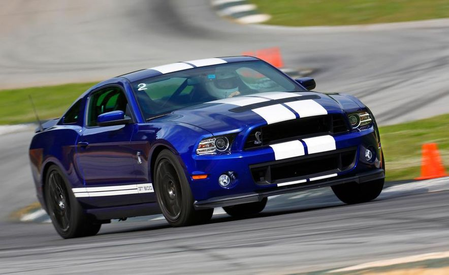 2013 Ford Mustang Shelby GT500 coupe - Slide 2