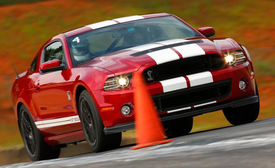 2013 Ford Mustang Shelby GT500 coupe - Slide 3