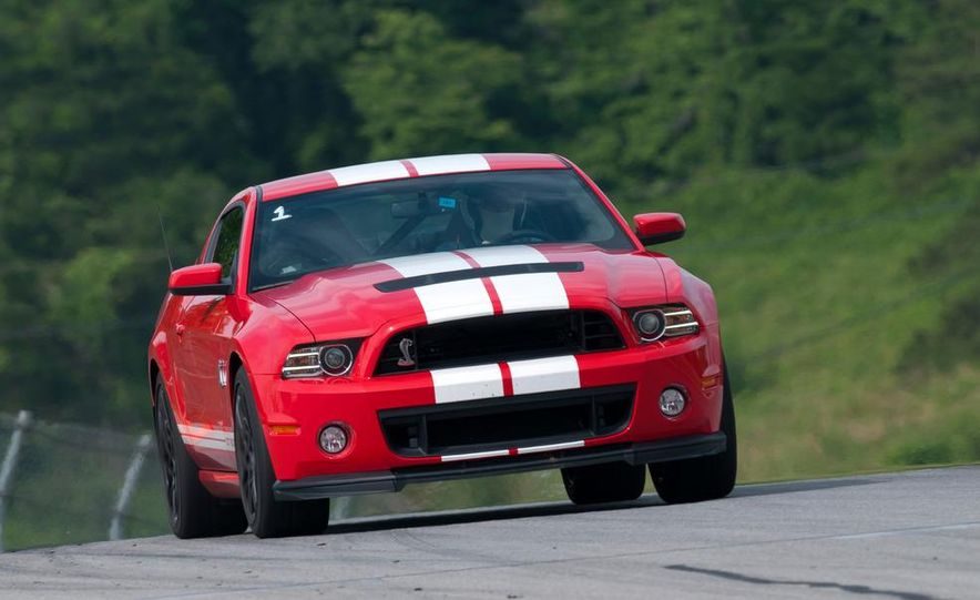 2013 Ford Mustang Shelby GT500 coupe - Slide 5