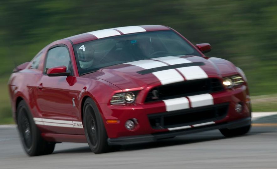 2013 Ford Mustang Shelby GT500 coupe - Slide 7