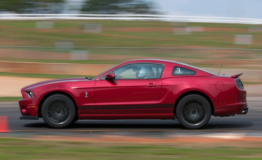 2013 Ford Mustang Shelby GT500 coupe - Slide 13