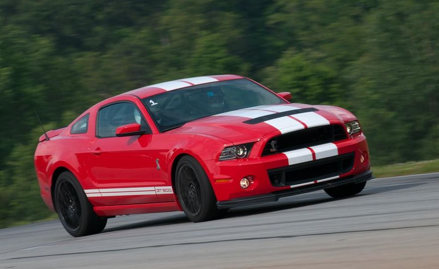 2013 Ford Mustang Shelby GT500 coupe - Slide 9