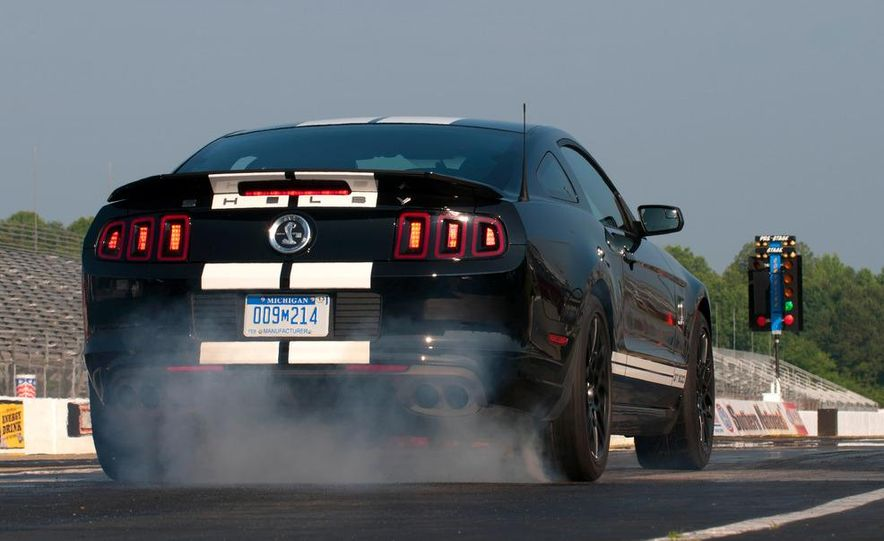 2013 Ford Mustang Shelby GT500 coupe - Slide 20
